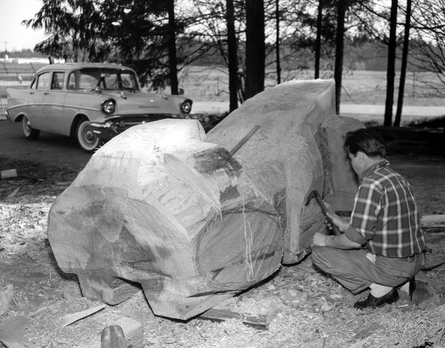 Doug Cranmer carving at Totem Park, 1961