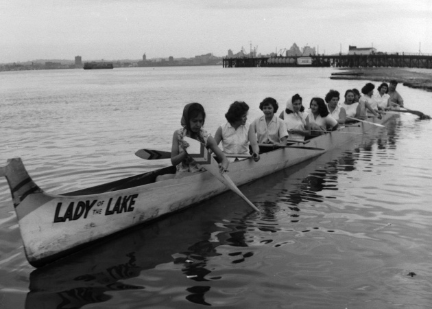Salish canoe races in North Vancouver