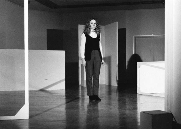 Michael de Courcy, Judith Schwartz performing White Room, 1968