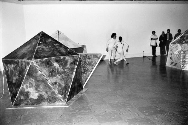 Michael de Courcy, Dance Loops, 1970